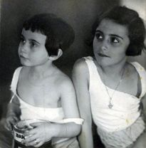 Anne Frank and Margot Frank Heroes of World War II worldwartwo.filminspector.com